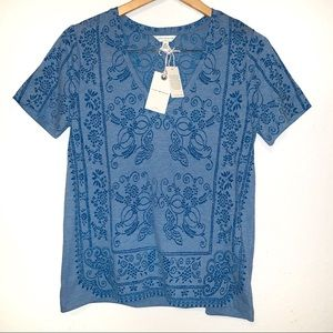 NWT Lucky Brand Blue top with design Sz Small